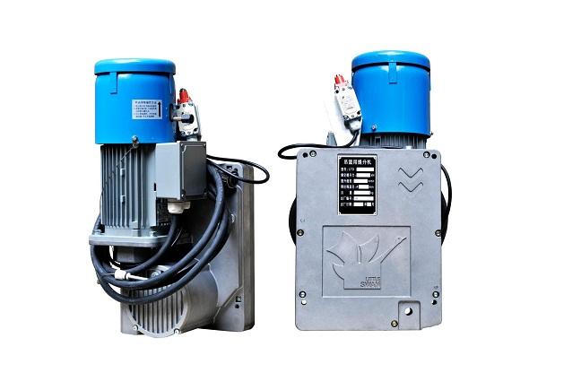 3-fázový elektricky poháňaný plošinový zdvihák s podstavcami