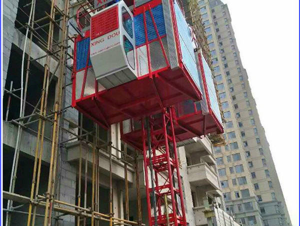 ZLP630 bina temizliği için askıya alınmış platform platformunu askıya aldı